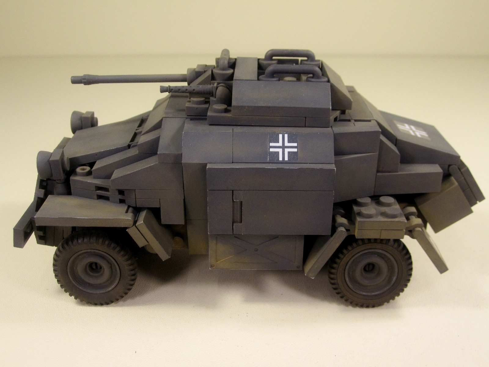 Cobi_2366_SdKfz_222_www.super-bricks.de_camouflage_paint_Small_Army_Tarnung_02