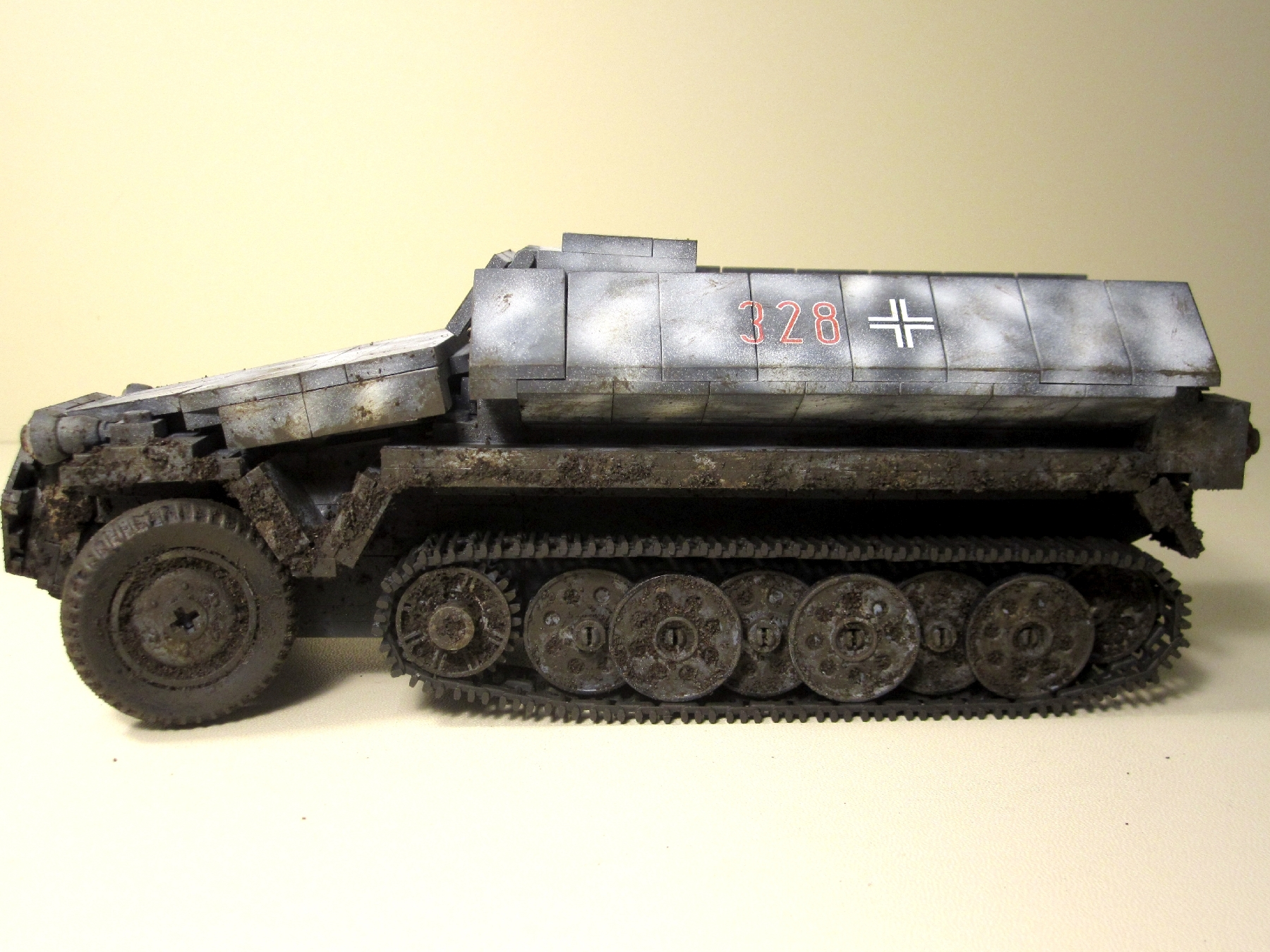 Cobi_2472_SdKfz_251_Wintertarnung_www.super-bricks.de_camouflage_paint_Small_Army_Tarnung_14