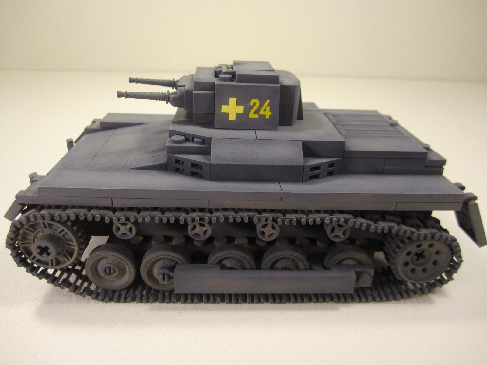 Cobi_2474_PzKpfw_I_www.super-bricks.de_camouflage_paint_Small_Army_Tarnung_04